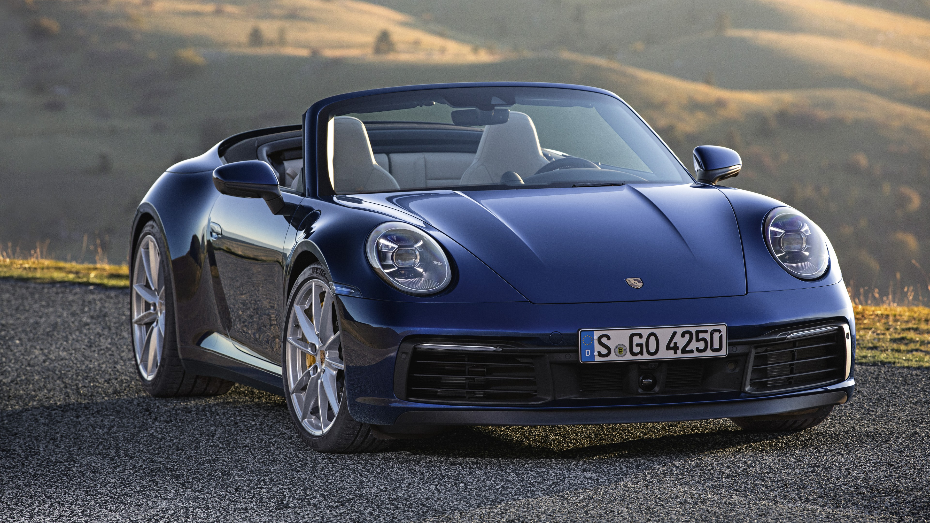 Porsche 911 Carrera reviews photo