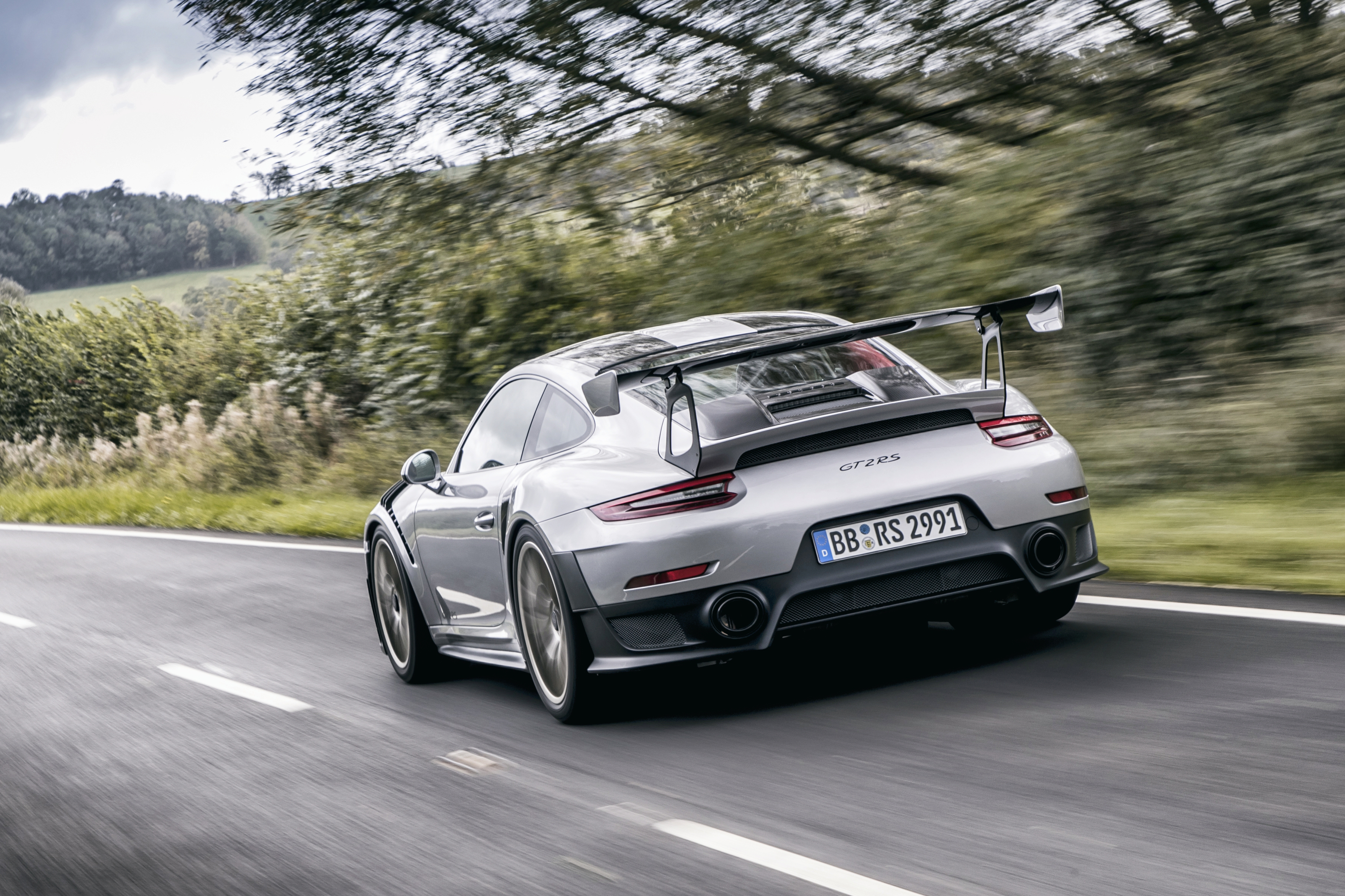 Porsche 911 GT2 coupe specifications