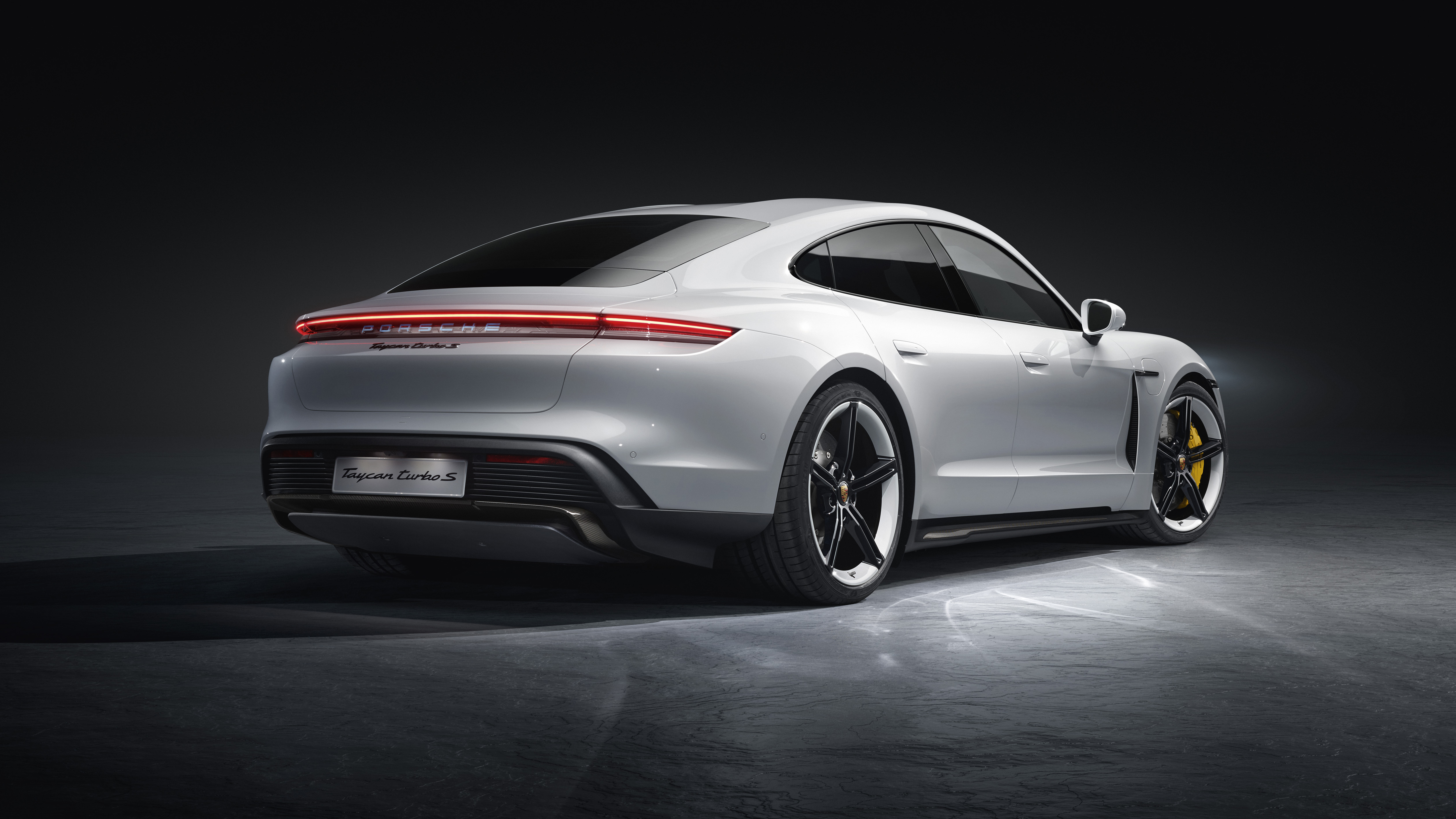 Porsche Taycan hd specifications