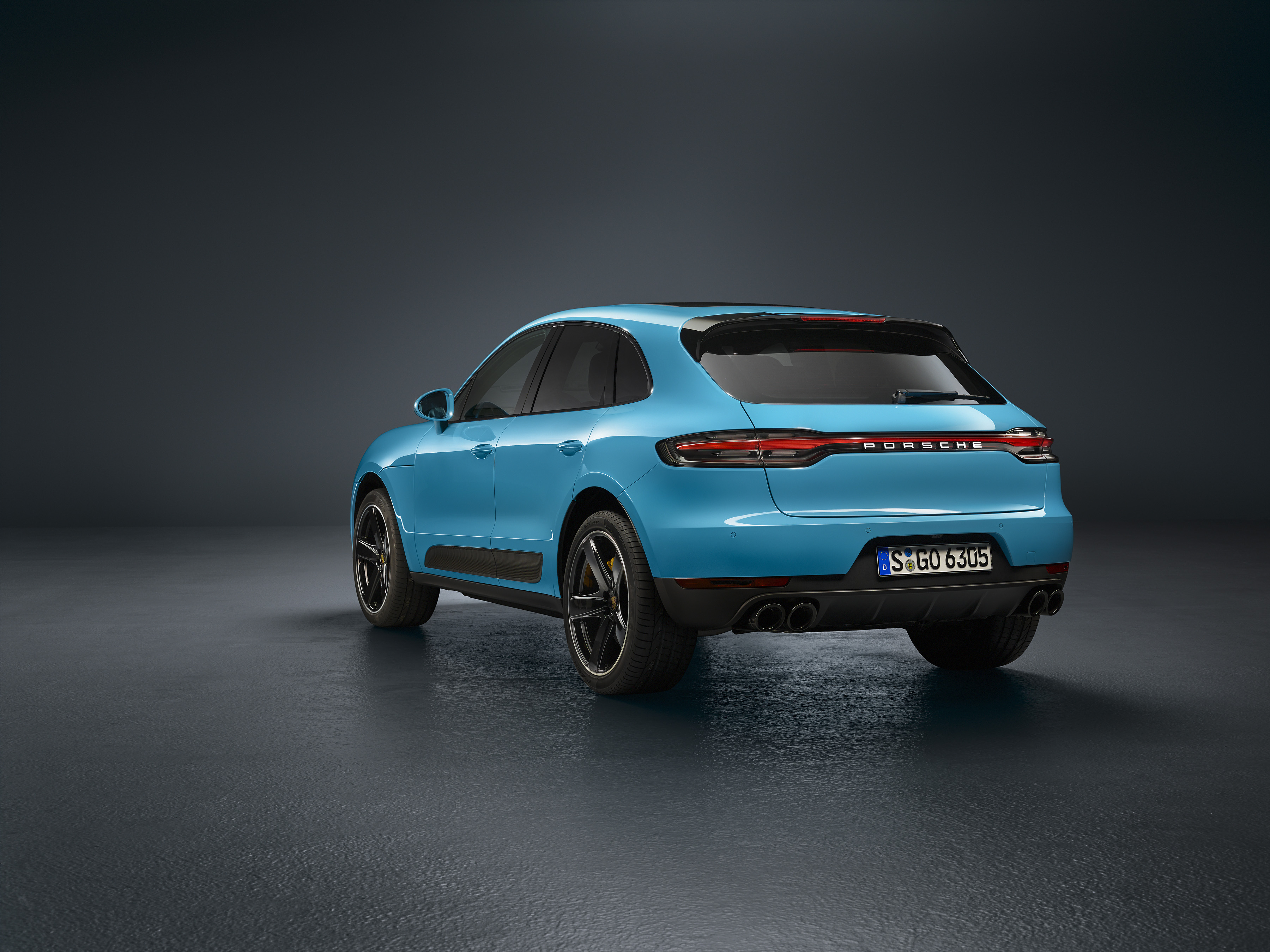 Porsche Macan suv photo