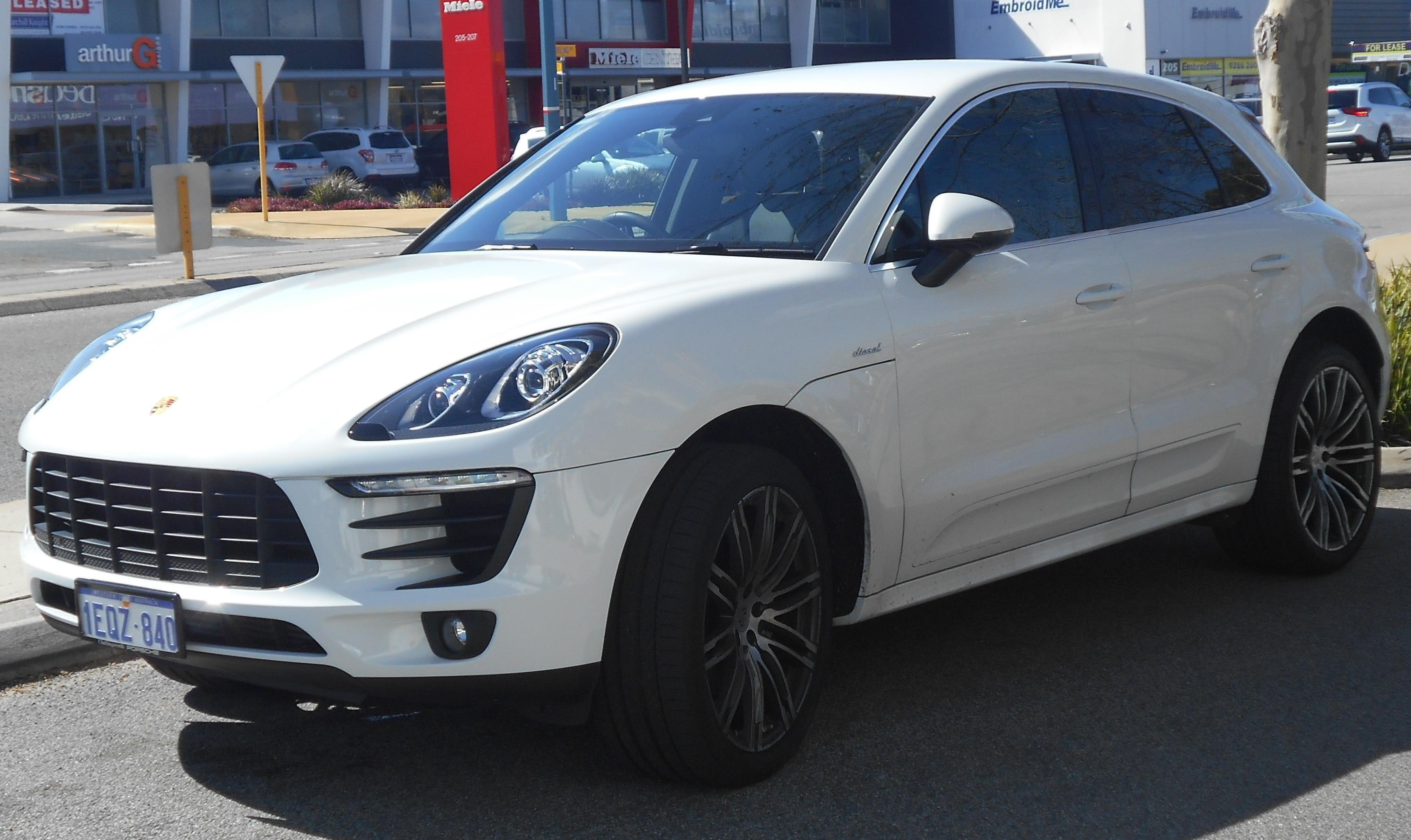 Porsche Macan best photo