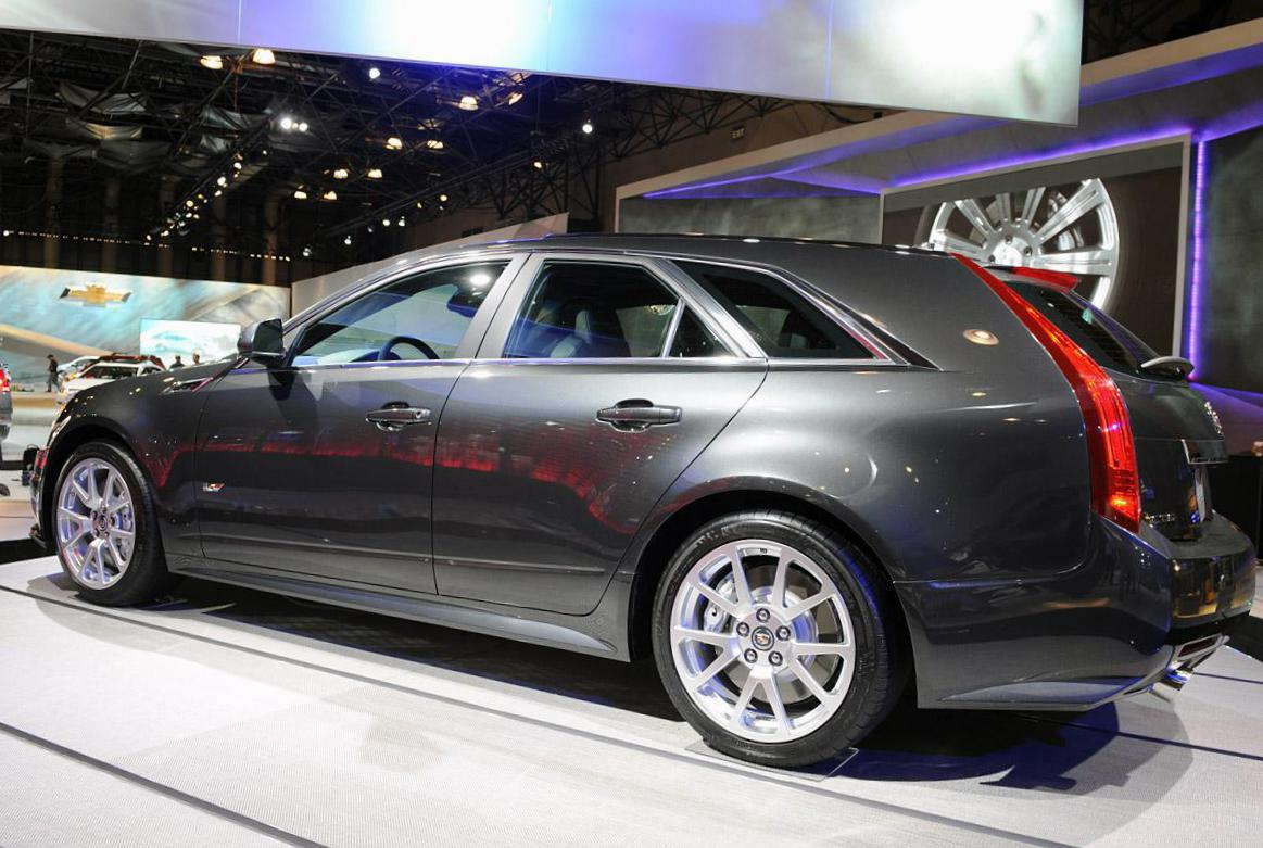 CTS-V Wagon Cadillac new 2005