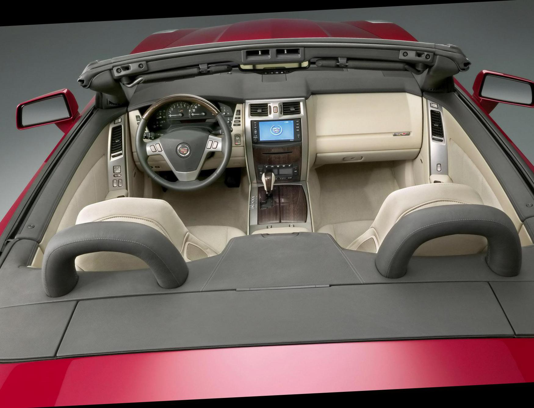 Cadillac XLR configuration coupe