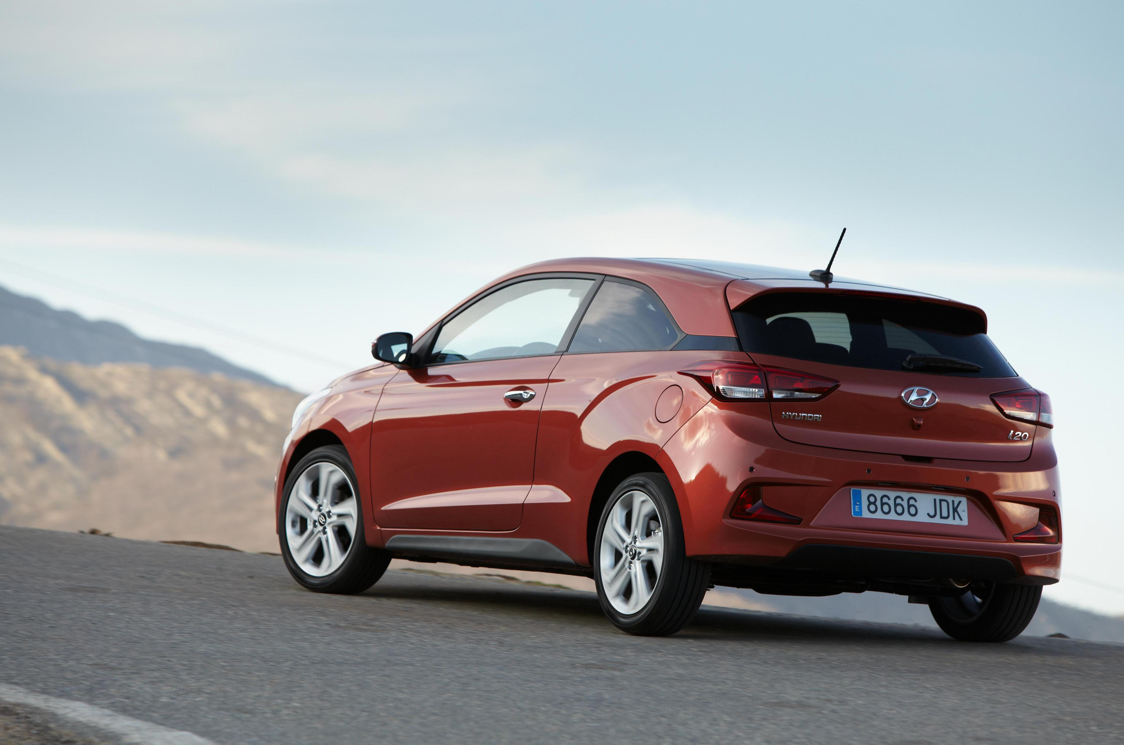 Hyundai i20 Coupe reviews sedan
