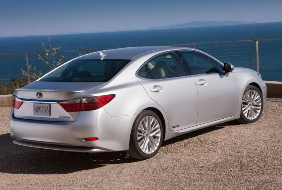 Lexus ES 200 250 350 model hatchback