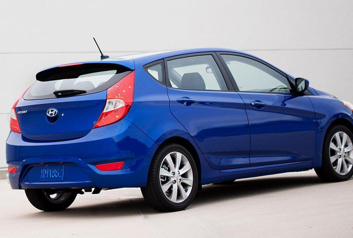 Hyundai Accent Hatchback >> Hyundai Accent Hatchback Photos And Specs Photo Accent