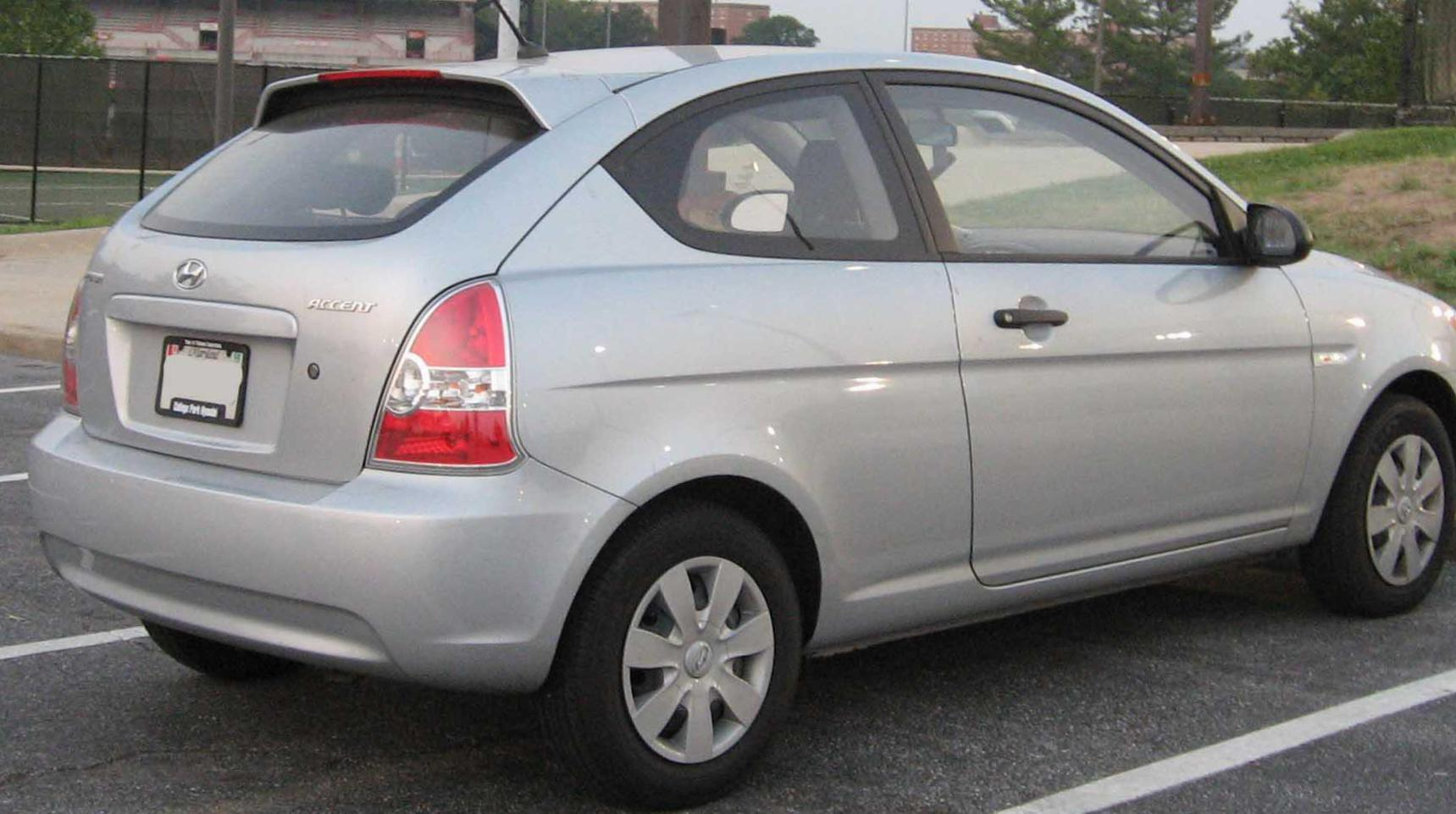 2006 hyundai accent hatchback review