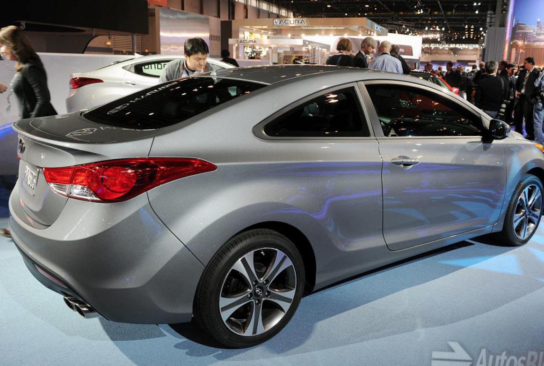 Hyundai Elantra Coupe >> Hyundai Elantra Coupe Photos And Specs Photo Hyundai