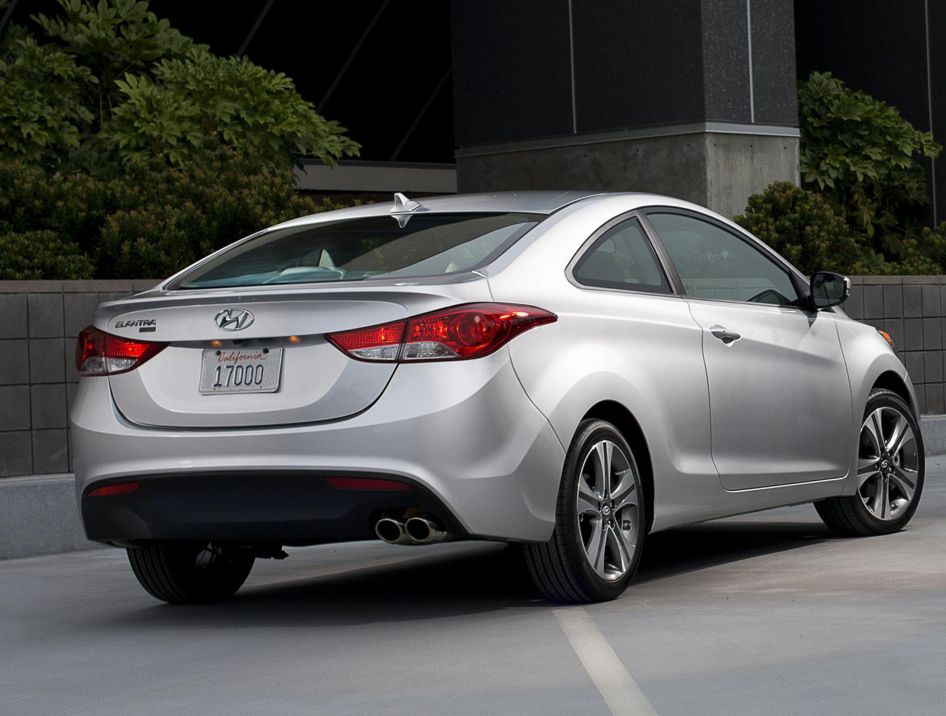 Hyundai Elantra Coupe reviews 2012