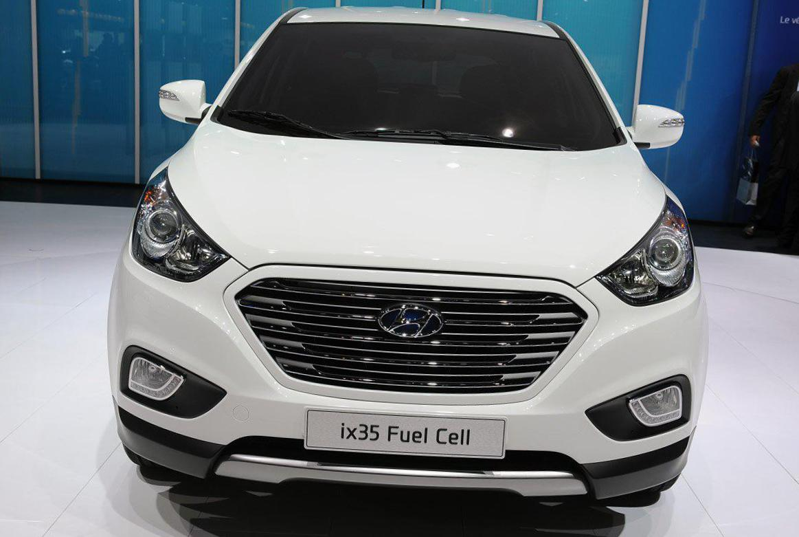 hyundai ix35 fuel cell photos and specs photo ix35 fuel cell hyundai configuration and 24. Black Bedroom Furniture Sets. Home Design Ideas