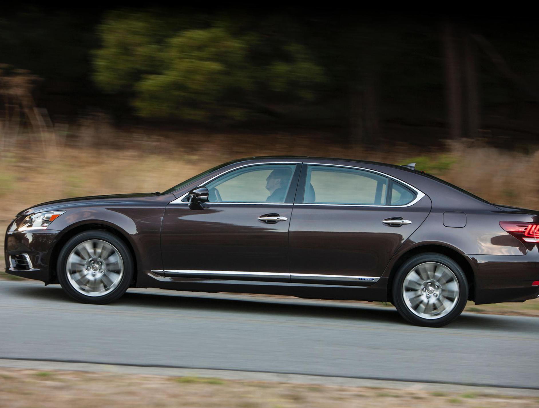 Lexus LS 600h Photos and Specs. Photo: LS 600h Lexus prices and 26