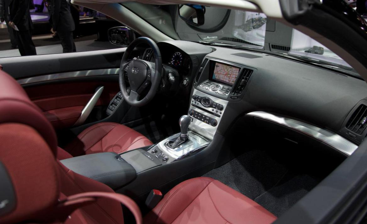 Infiniti Q60 IPL Convertible Specifications 2005