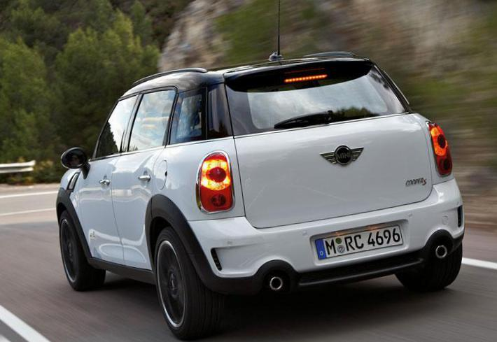 MINI One Countryman reviews sedan