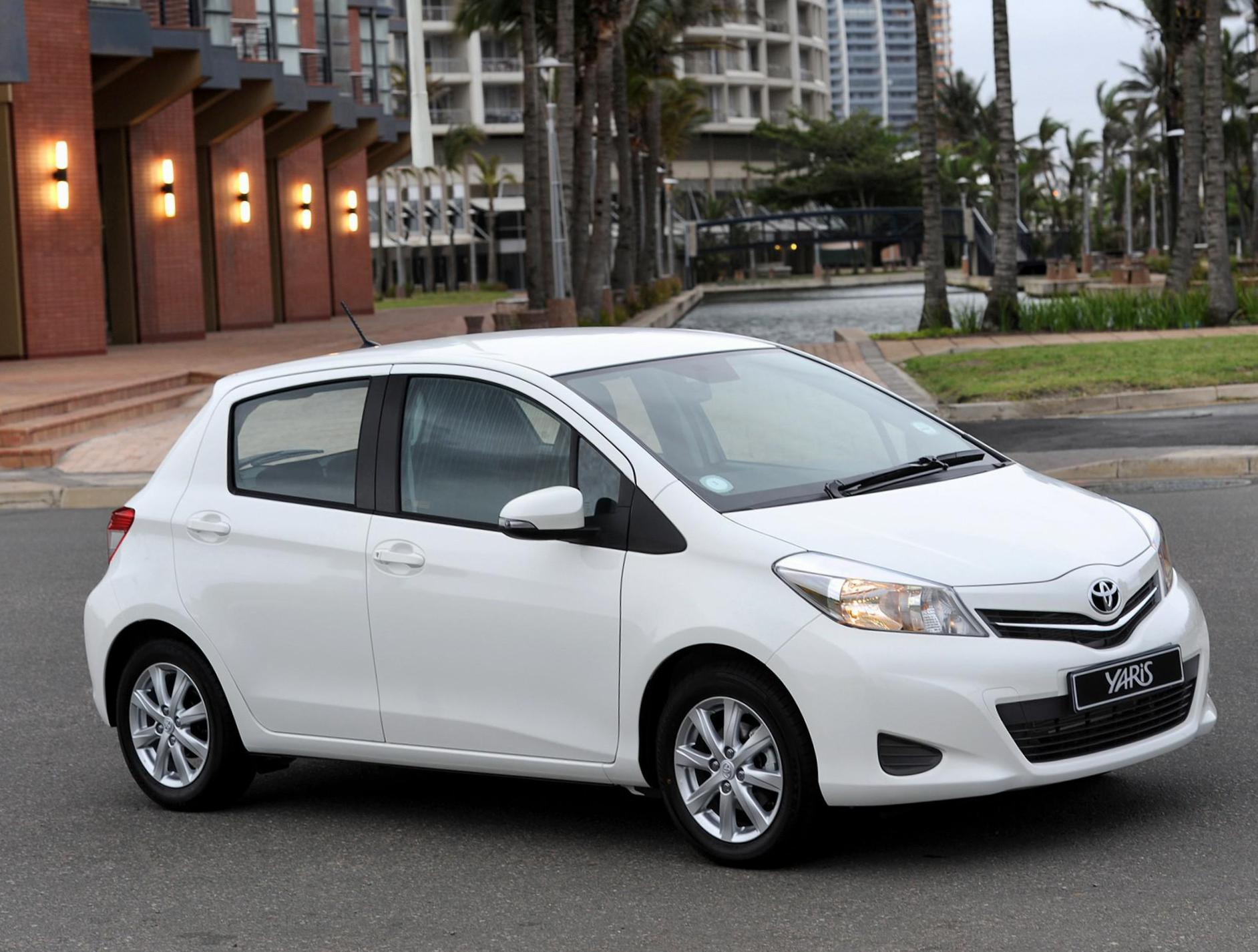 Toyota Yaris 5 doors approved hatchback