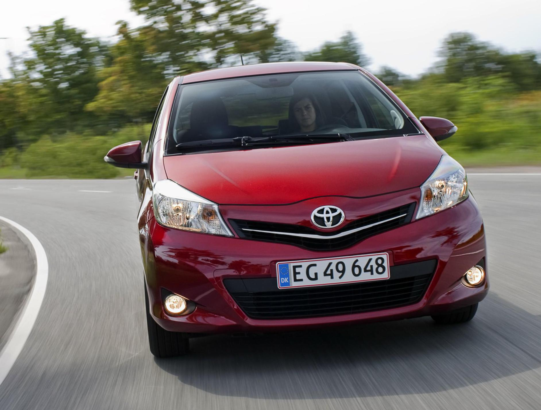 Yaris 5 doors Toyota prices 2012