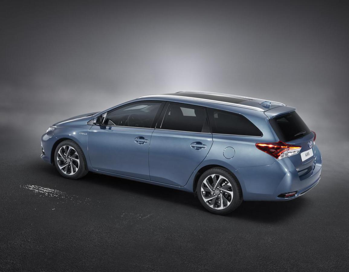 Toyota Auris Touring Sports cost 2012