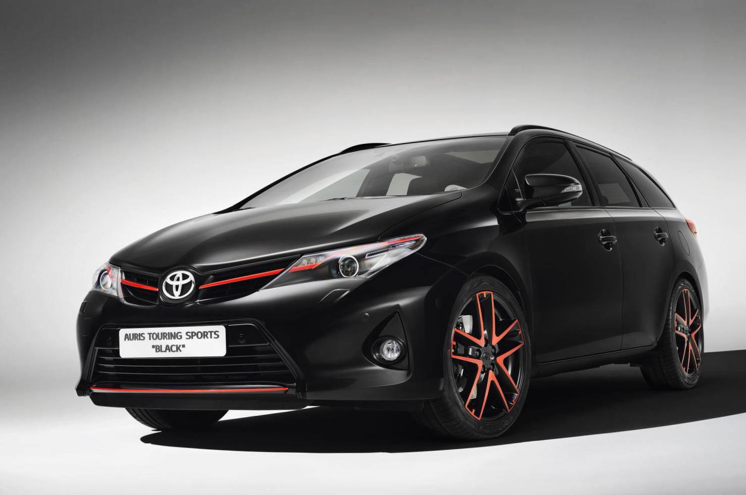 Toyota Auris Touring Sports Hybrid new sedan
