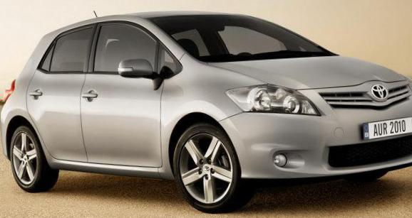 Auris Toyota approved hatchback