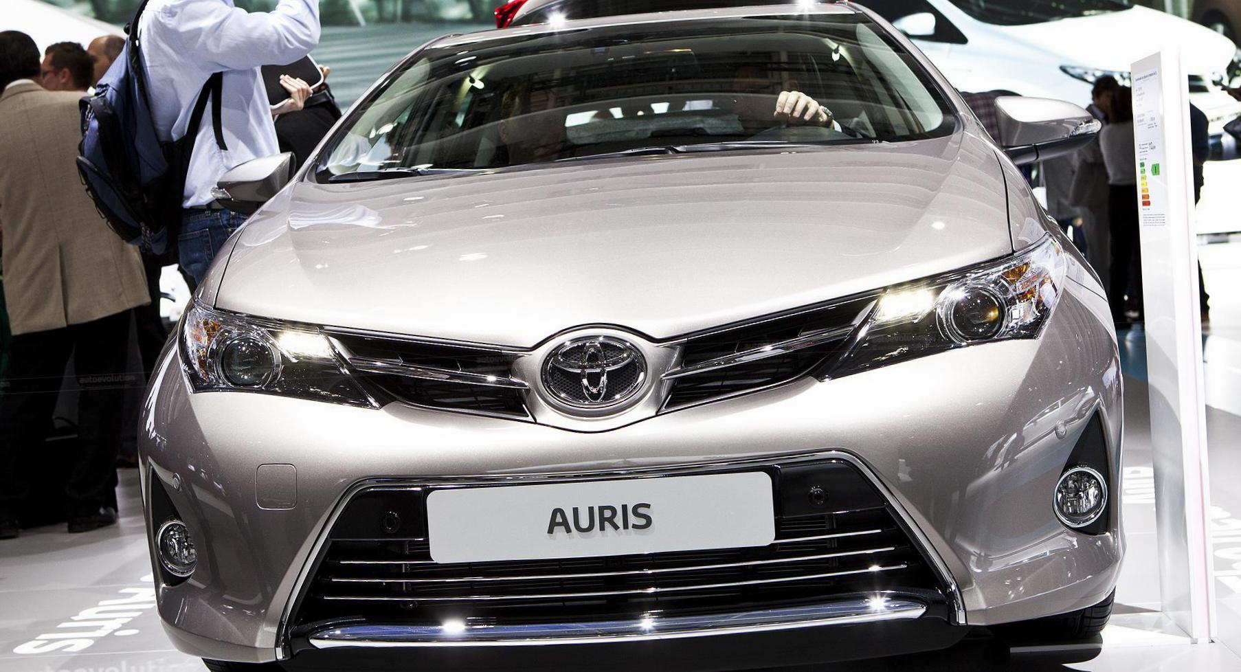 Auris Toyota Specification 2005