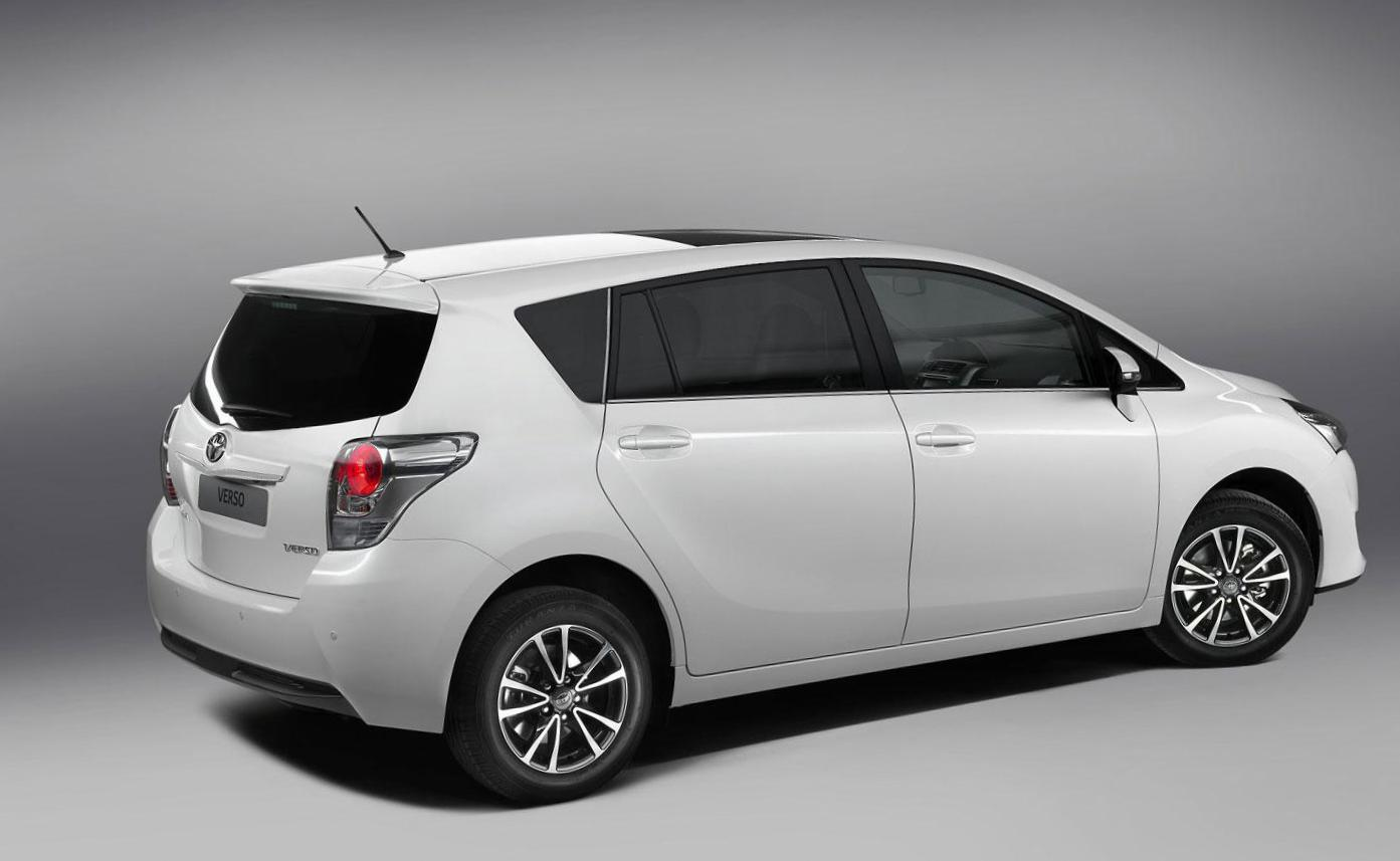 Toyota Auris Touring Sports how mach 2012