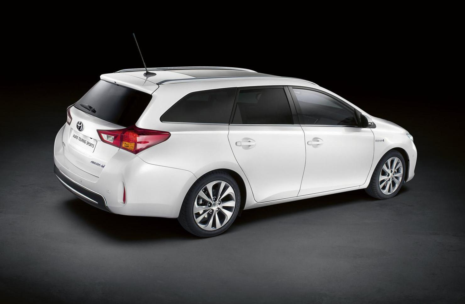 Toyota Auris Touring Sports models 2009