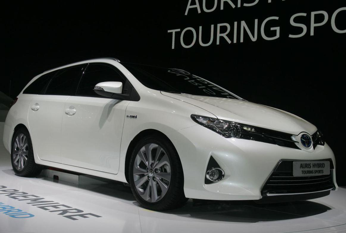 Auris Touring Sports Hybrid Toyota lease cabriolet