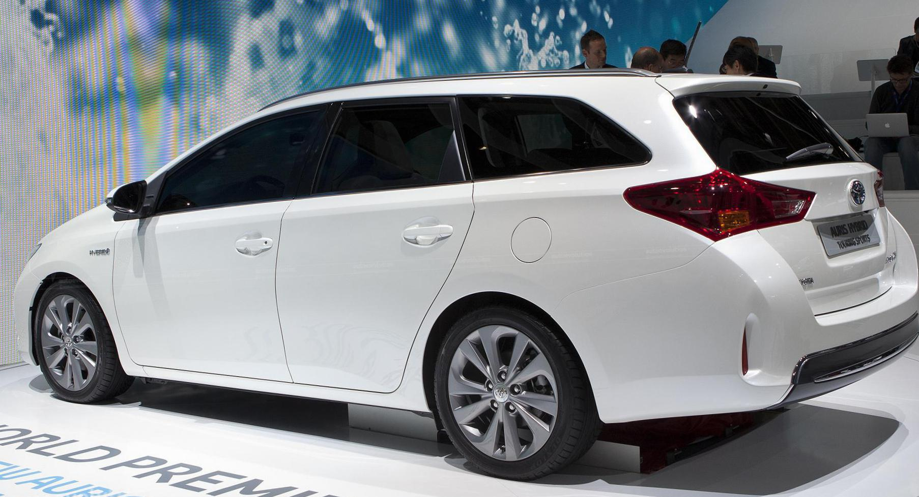 Auris Touring Sports Hybrid Toyota specs 2014