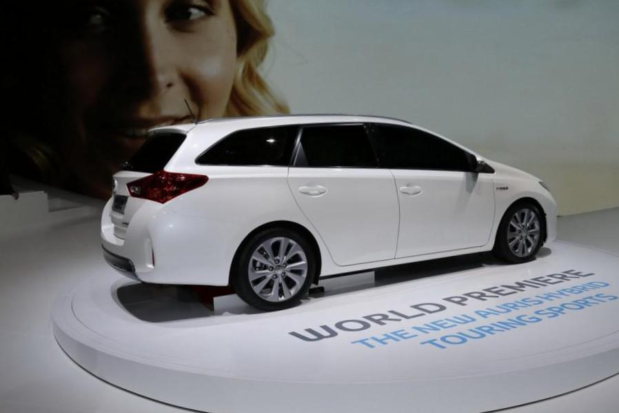 Auris Touring Sports Hybrid Toyota usa 2012