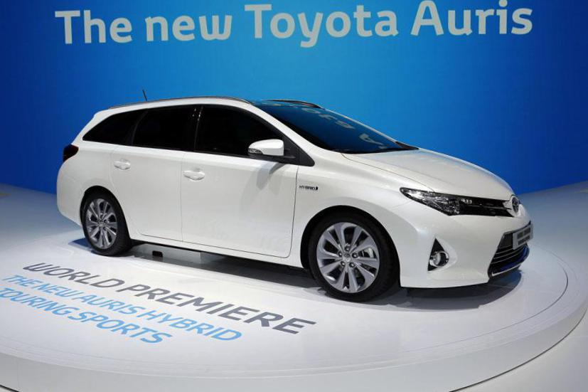 Toyota Auris Touring Sports Hybrid prices liftback