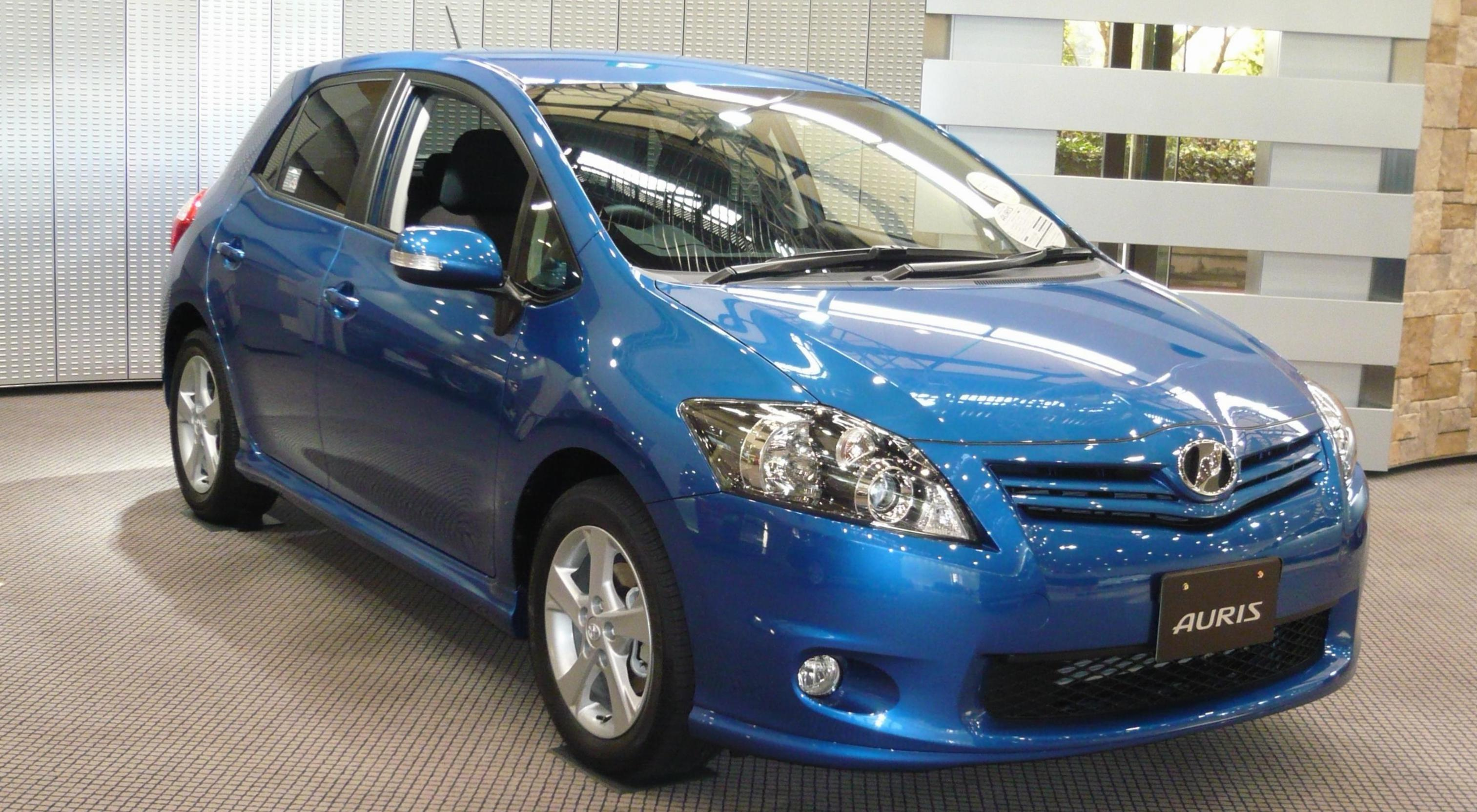 Toyota Auris parts hatchback