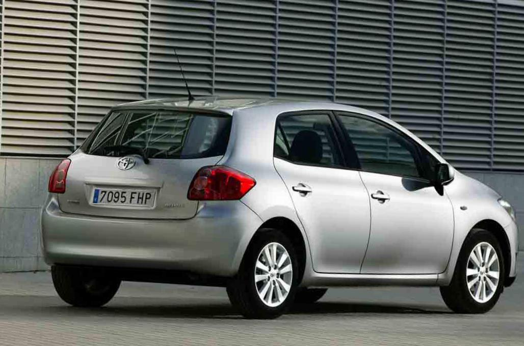 Toyota Auris prices liftback