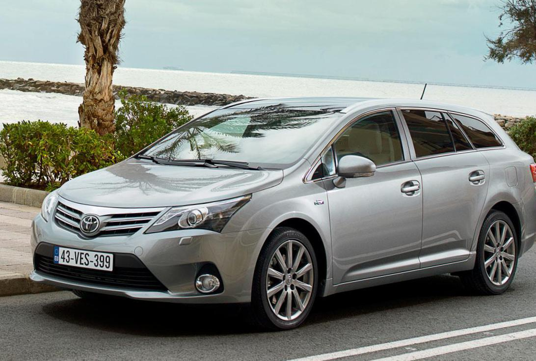 Toyota Avensis Wagon review 2012