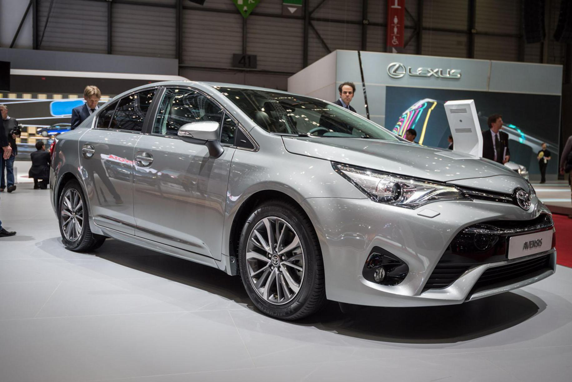 Avensis Toyota review coupe