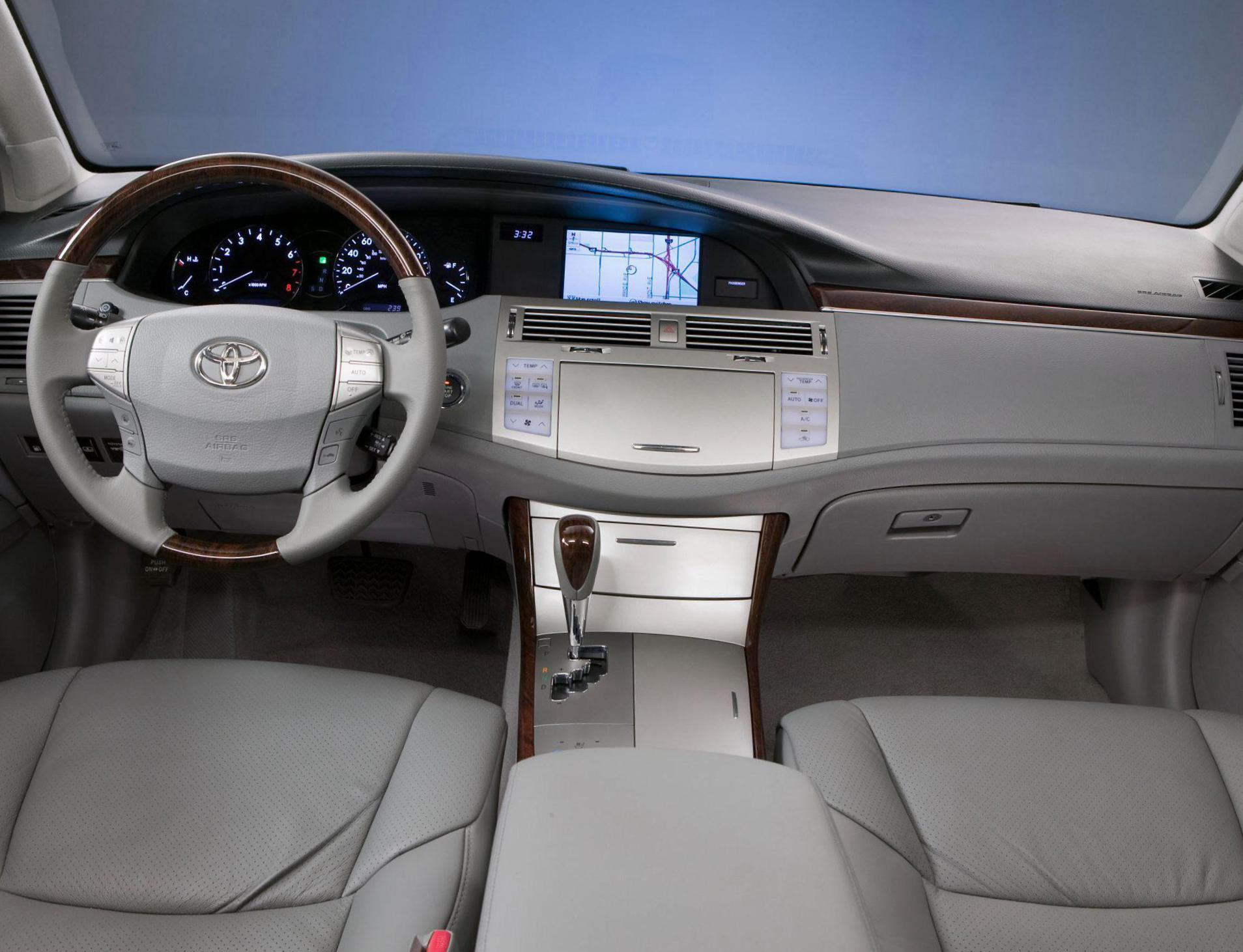 Avalon Toyota lease 2014