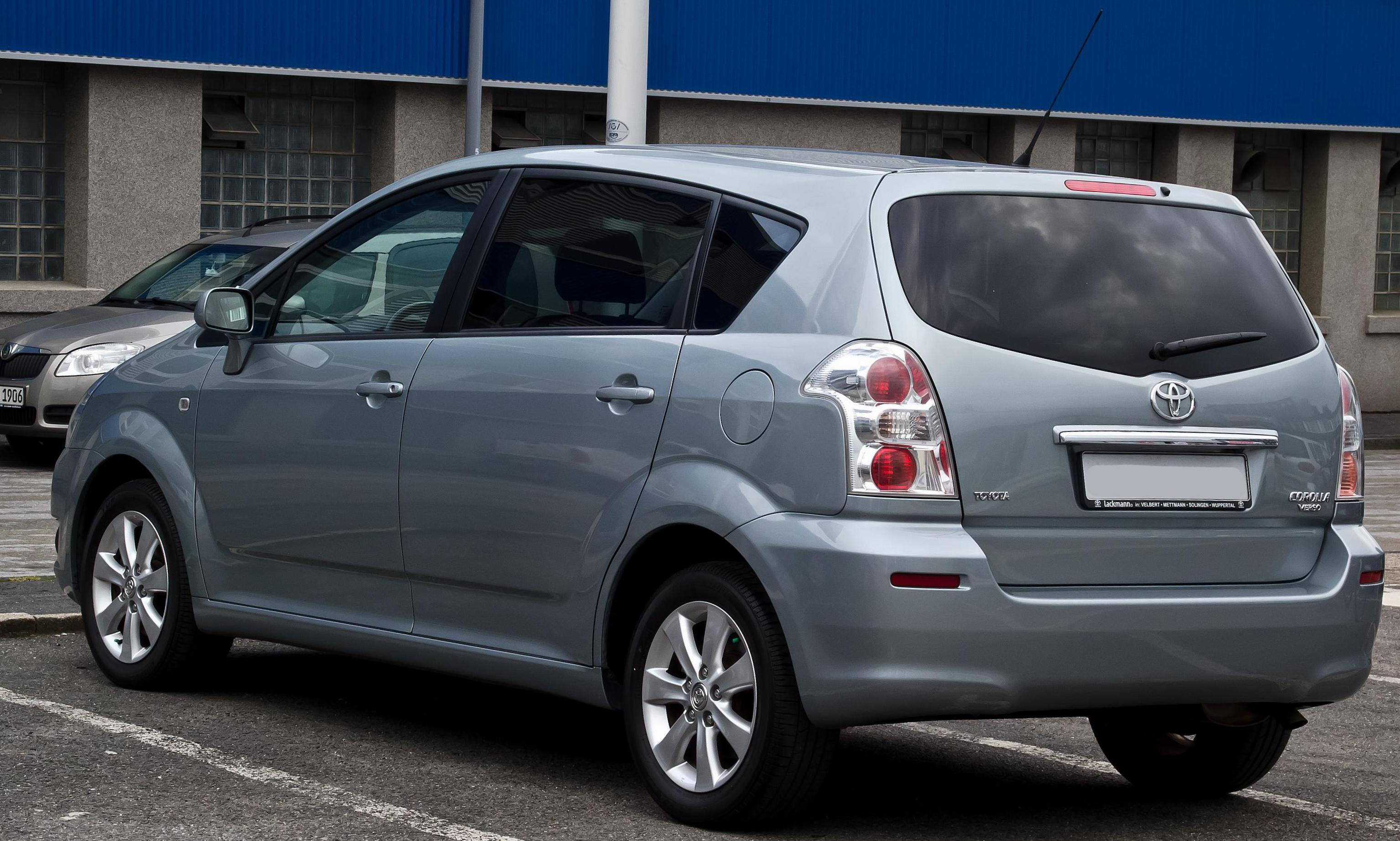 Toyota Verso lease sedan