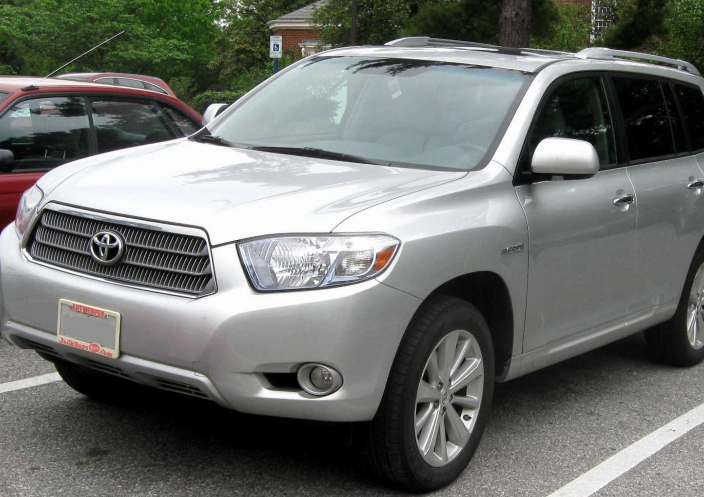 Toyota Highlander Hybrid review 2011
