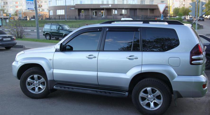 Toyota Land Cruiser Prado 120 spec hatchback
