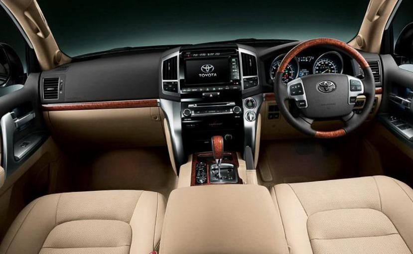 Land Cruiser 200 Toyota configuration 2011