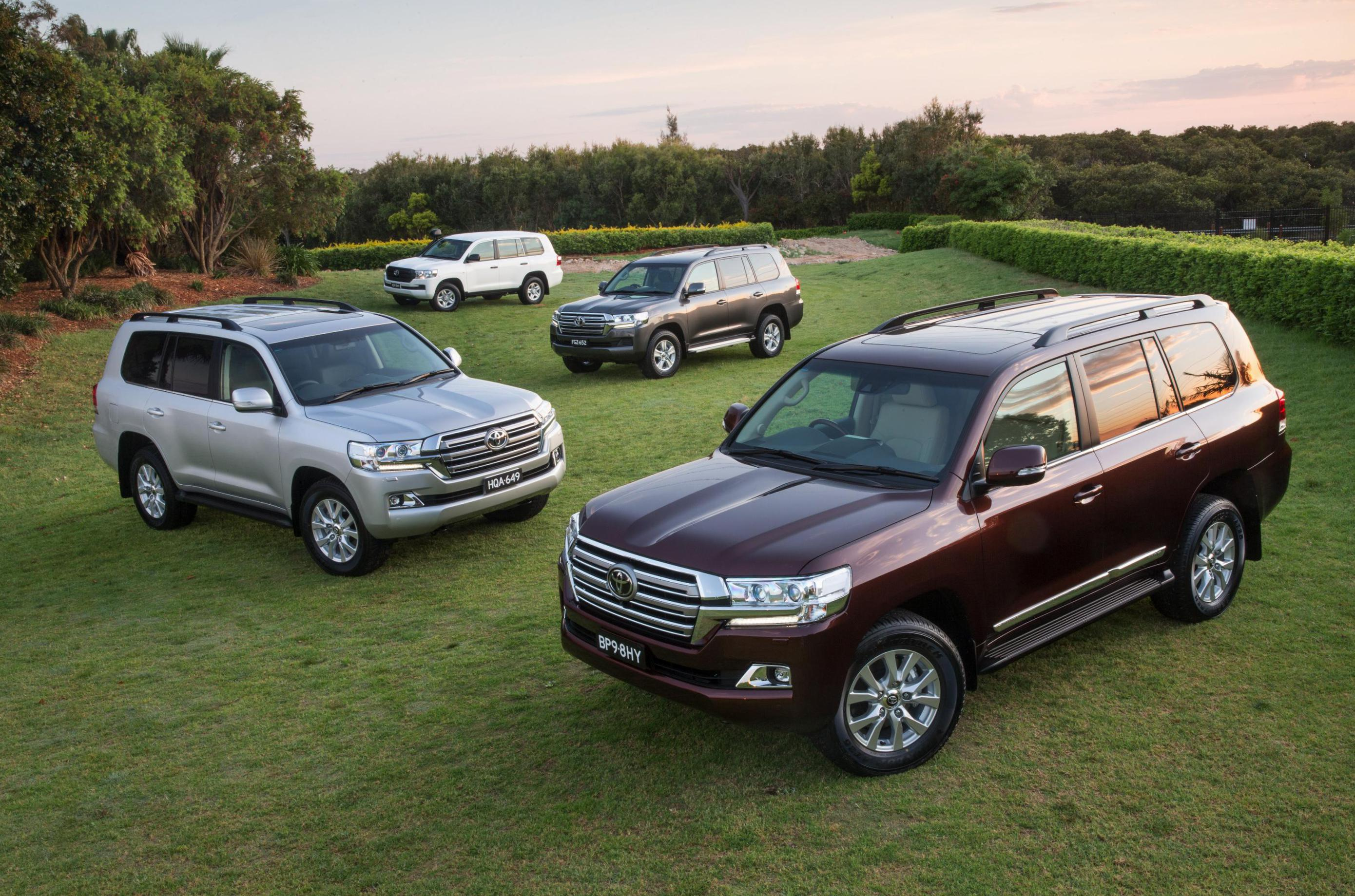 Land Cruiser 200 Toyota review 2014