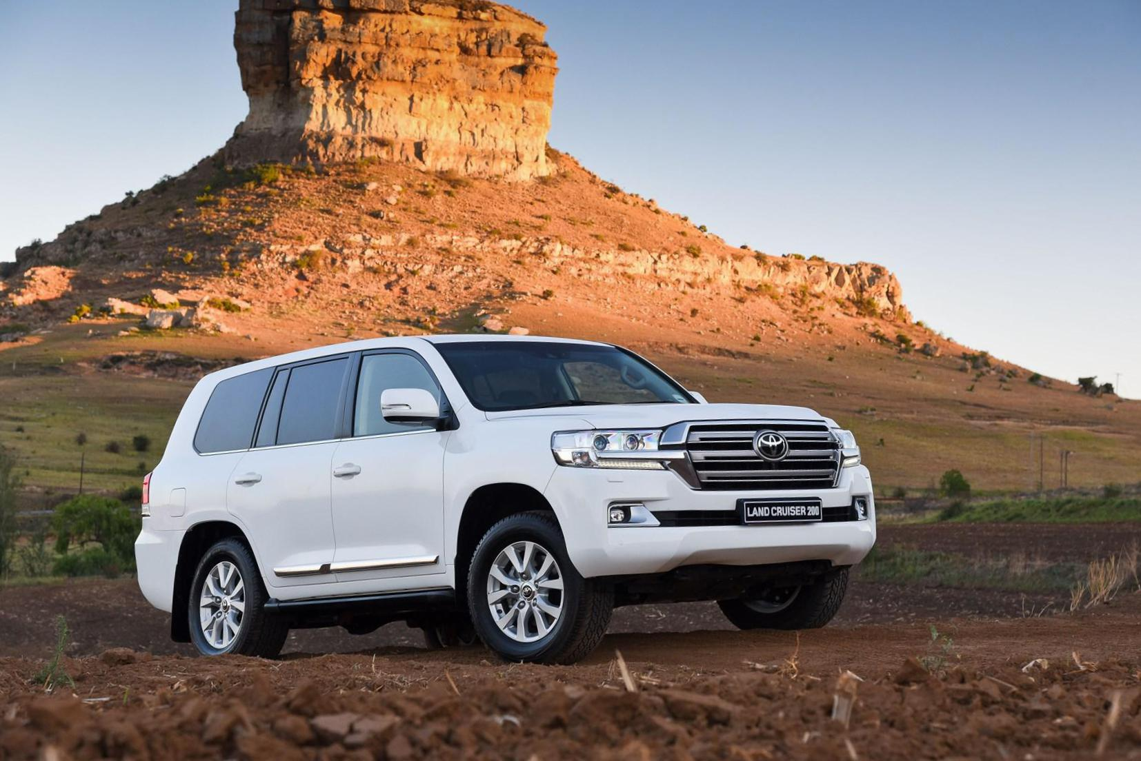 Toyota Land Cruiser 200 approved suv
