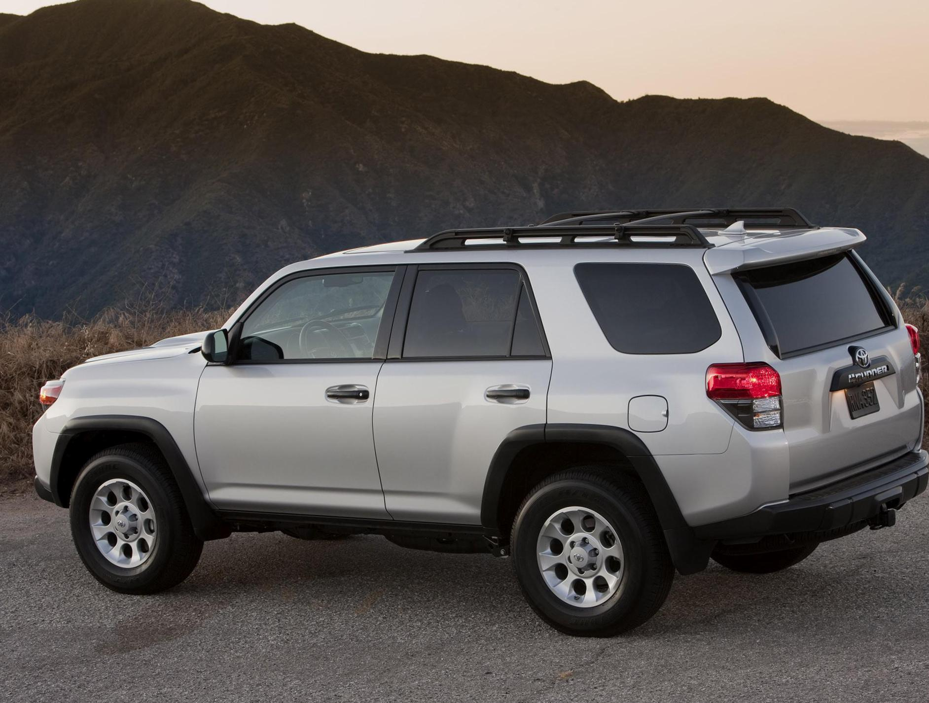Toyota 4Runner model 2009