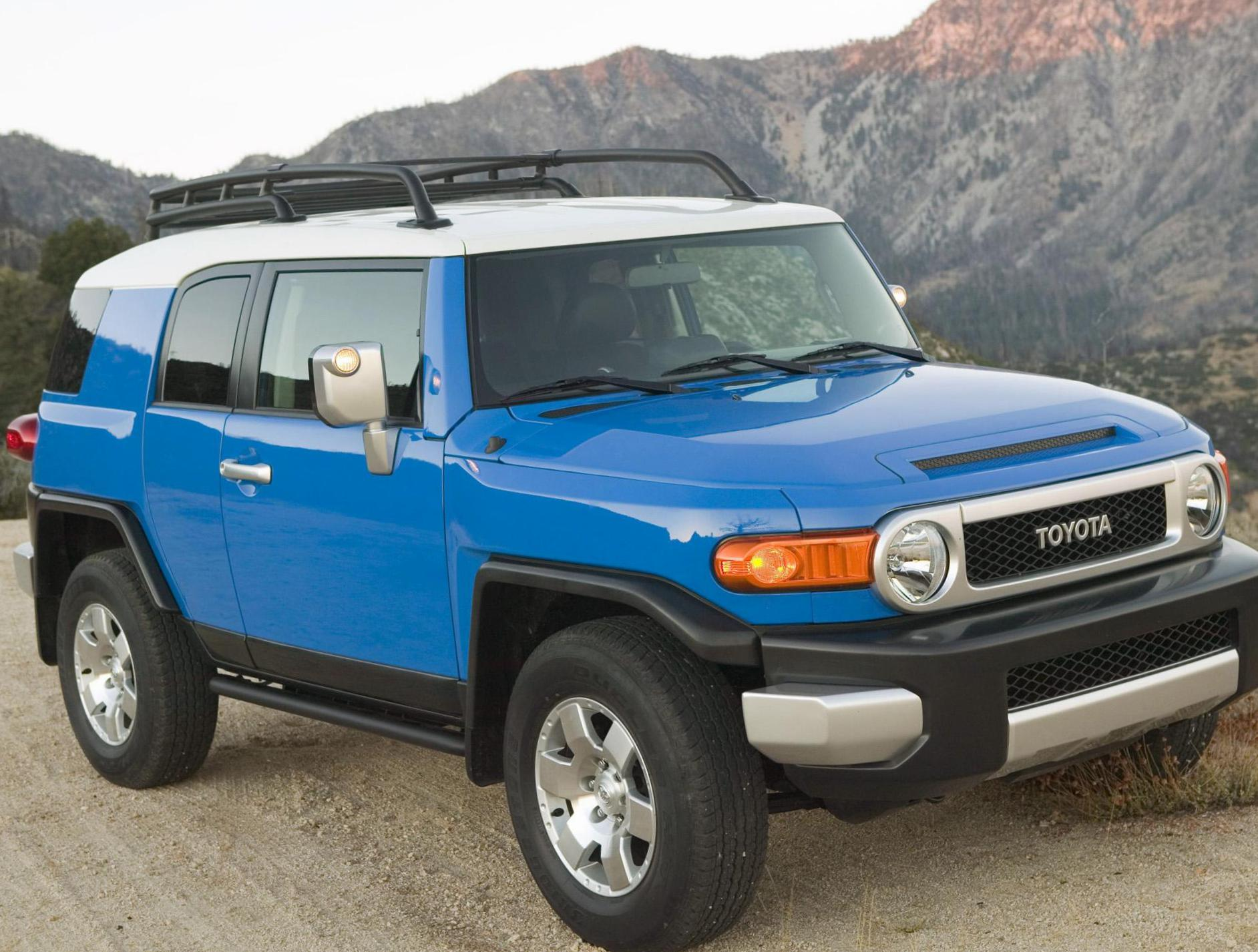 Toyota FJ Cruiser spec hatchback