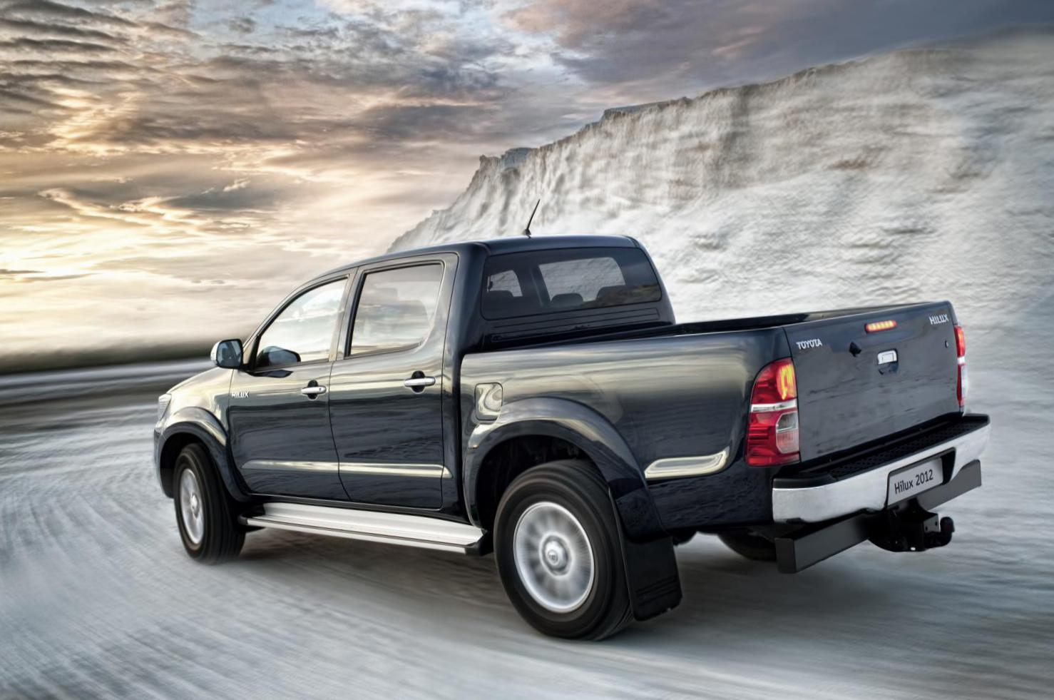 Toyota Hilux Double Cab Characteristics 2012