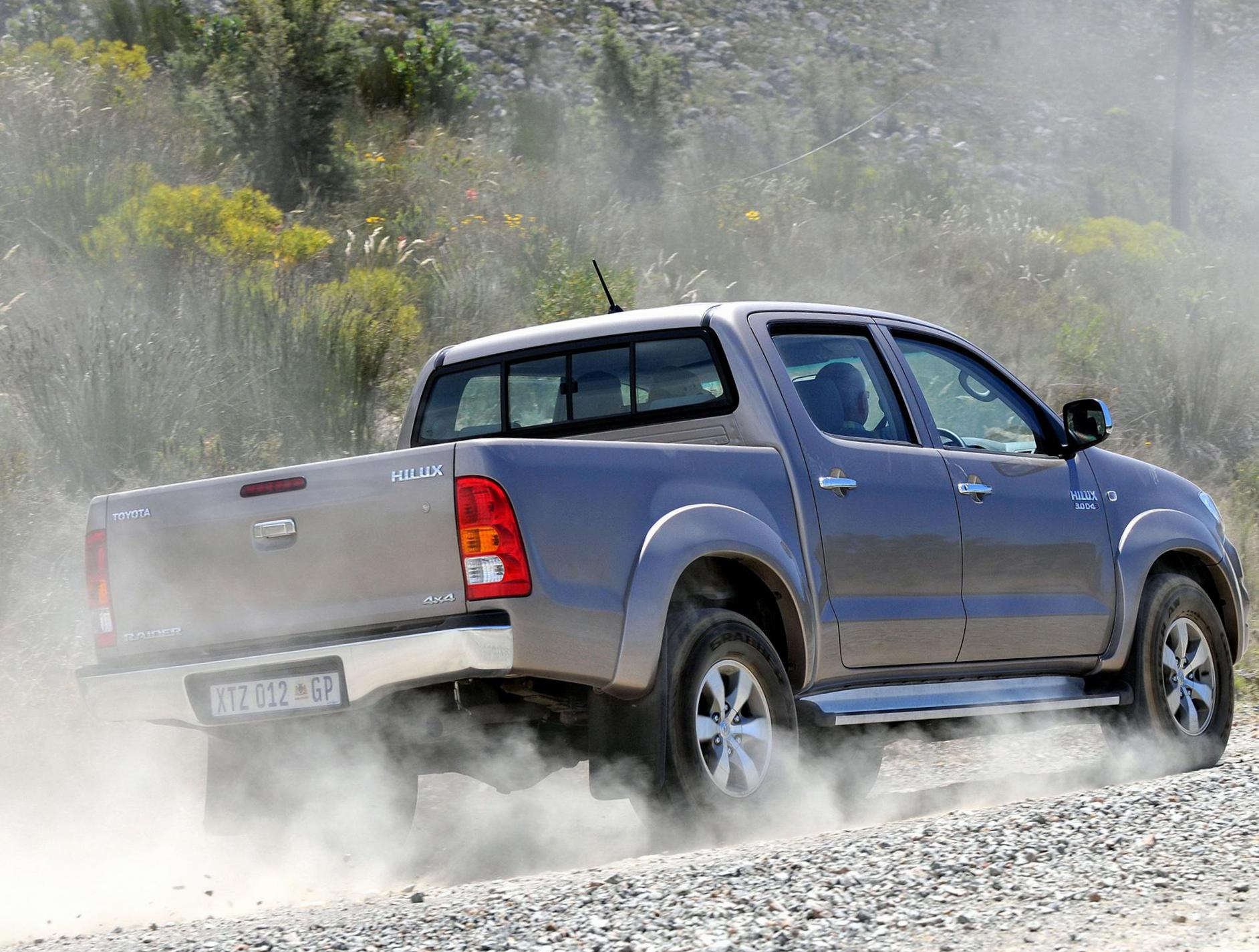 Hilux Double Cab Toyota for sale 2011