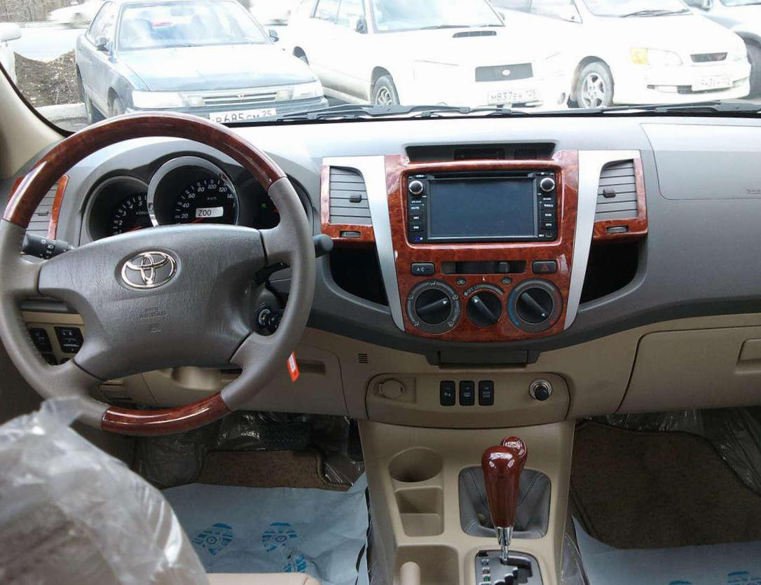 Toyota Fortuner Specifications 2007