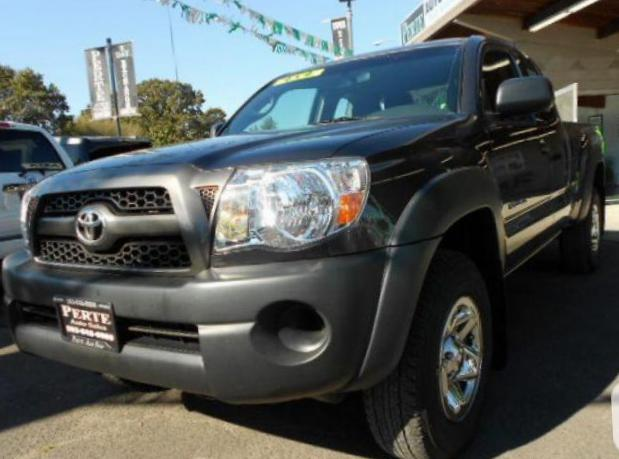 Toyota Tacoma Access Cab approved 2004