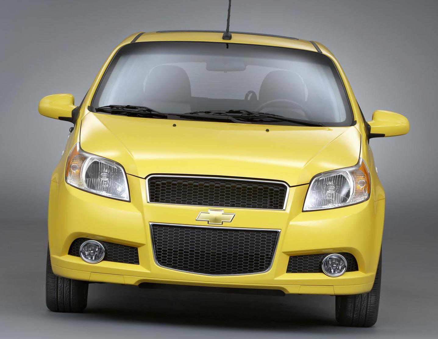 Aveo Hatchback Chevrolet spec 2013