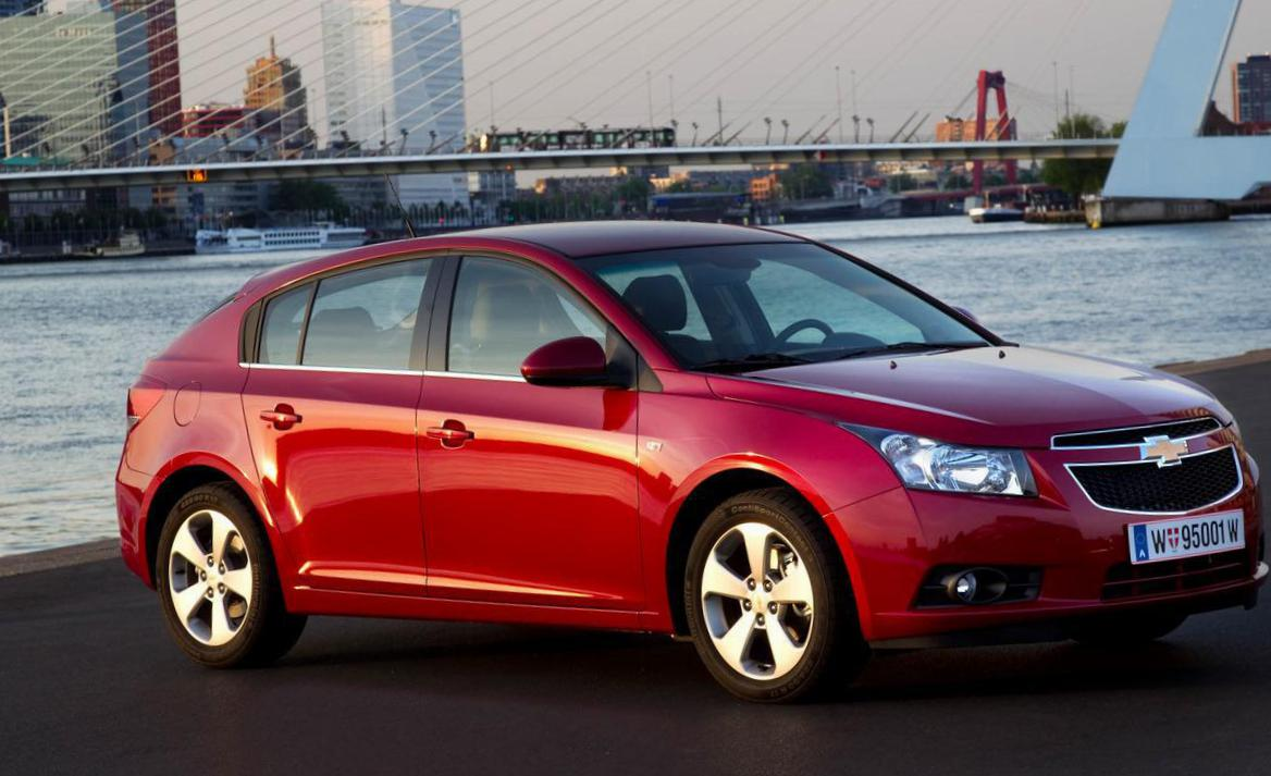 Chevrolet Cruze Hatchback review 2010