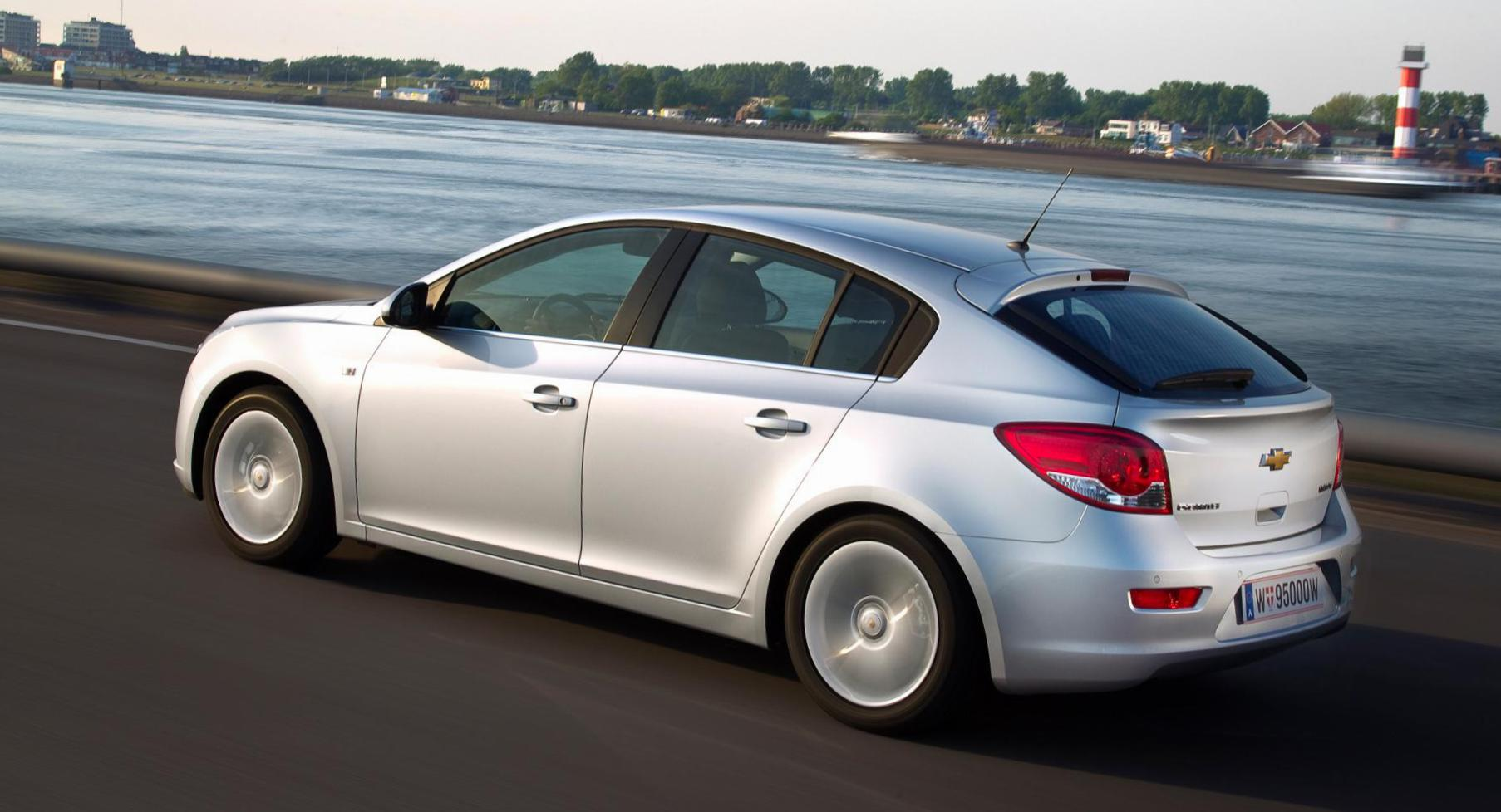 Cruze Hatchback Chevrolet spec 2013