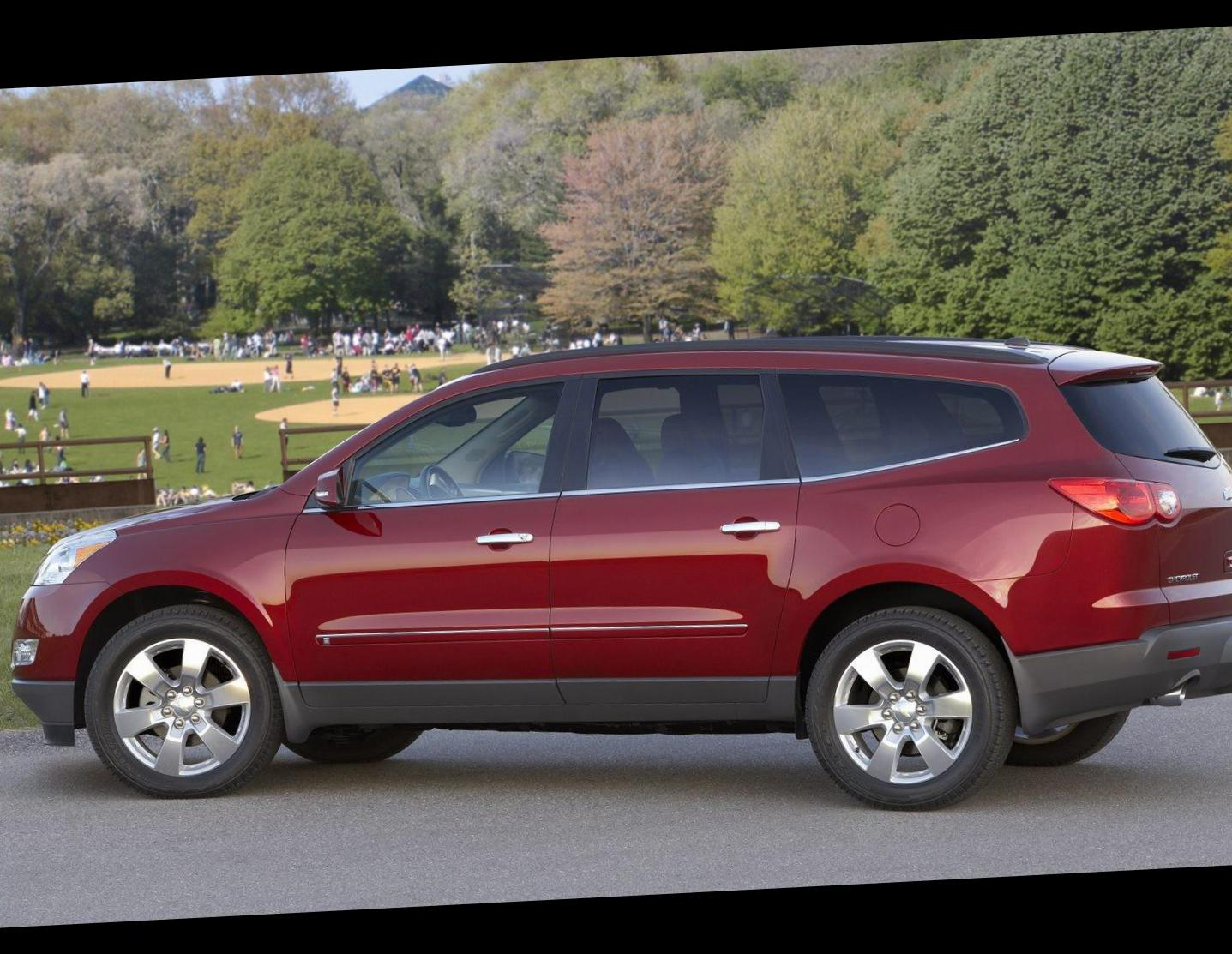 Chevrolet Traverse parts hatchback